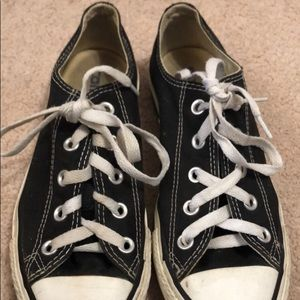 low top converse, size 6, good condition, black